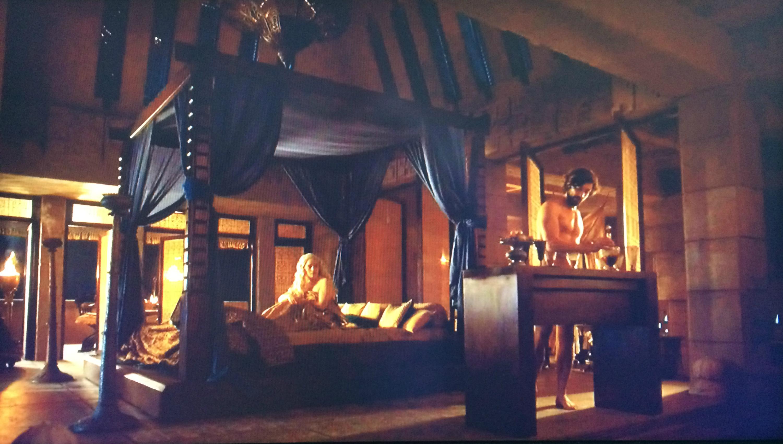 Daenerys Targaryen and Daario Naharis Nude-bar front