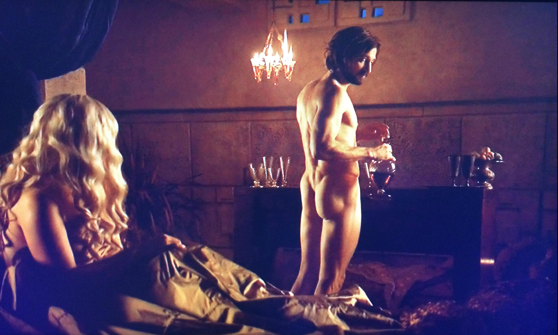 Daenerys Targaryen and Daario Naharis Nude-bar