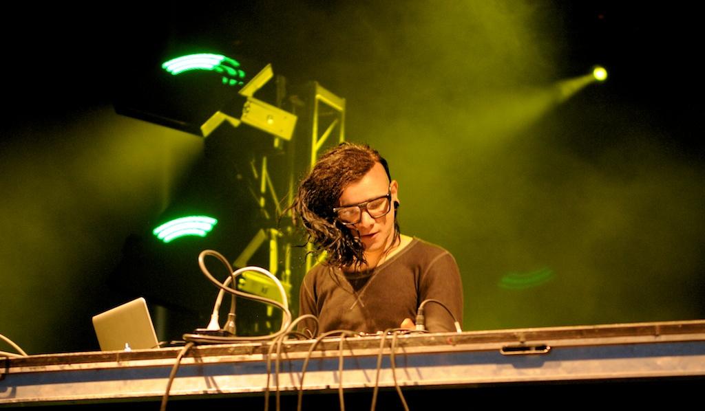 Skrillex Performs 2011 Cisco Ottawa Bluesfest